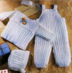 Вязаный костюм для новорожденного