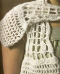 Белый ажурный вязаный шарфик крючком