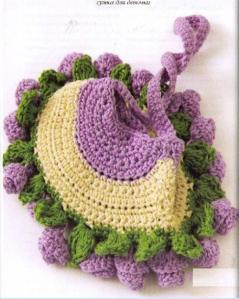 детская вязаная сумочка крючком с цветочками
