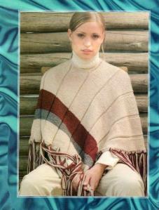 очень простое вязаное пончо спицами